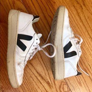 Veja v10 sneakers